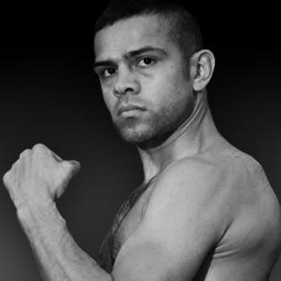 Saul Corral fighter profile