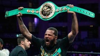 Dirrell reclaims WBC title with technical decision over Yildirim